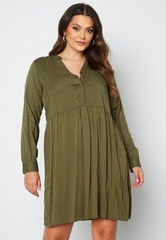 Vero Moda Curve Veronica LS Dress Ivy Green bubbleroom.no