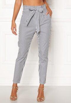 VERO MODA Eva Loose Paperbag Pants Snow White/stripes Bubbleroom.no