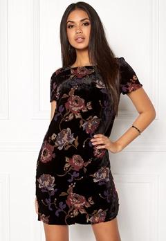 VERO MODA Fiona S/S Short Dress Black Comb 3 Lipstic Bubbleroom.no