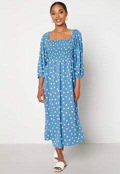 VERO MODA Ginna 3/4 Smock Square Dress Azure Blue AOP White Bubbleroom.no