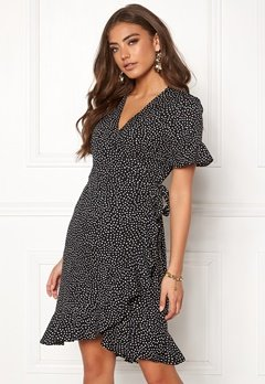 VERO MODA Henna 2/4 Wrap Dress Black/Dots Bubbleroom.no