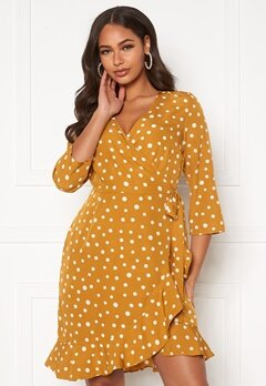 VERO MODA Henna 3/4 Wrap Dress Harvest Gold, AOP Wh Bubbleroom.no