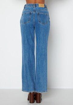 VERO MODA Kithy HR Loose Straight Jeans Medium Blue Denim bubbleroom.no