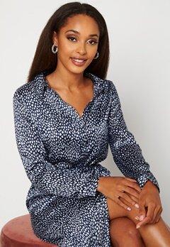 VERO MODA Leona Calf Shirt Dress Navy Blazer Bubbleroom.no
