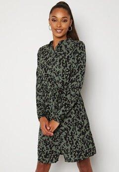VERO MODA Saga Collar Shirt Dress Laurel Wreath AOP Fe bubbleroom.no