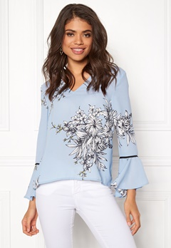 VERO MODA Satina Flair 7/8 V Neck Top Cerulean Bubbleroom.no