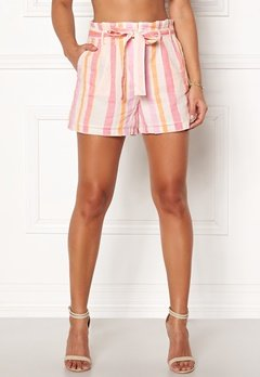 VERO MODA Tavi NW Shorts Snow White Bubbleroom.no