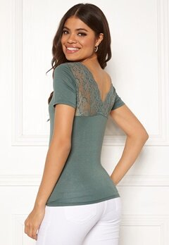 ONLY Vic S/S Deep Backlace Top Balsam Green Bubbleroom.no