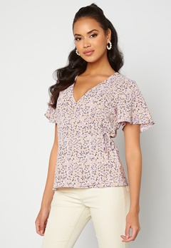 VILA Lovie S/S Wrap Top Laveder AOP Sia Bubbleroom.no