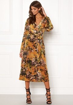 9685618c VILA Nisty L/S Dress Cathay Spice Bubbleroom.no
