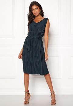 VILA Pliss S/L Dress Total Eclipse Bubbleroom.no