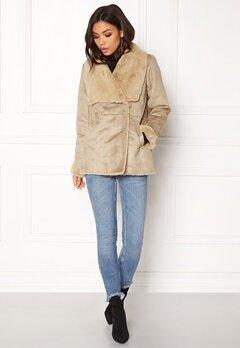 VILA Vipony Sherling Jacket Soft Camel Bubbleroom.no