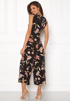 VILA Vacker Cropped Jumpsuit Black/Floral Print Bubbleroom.no