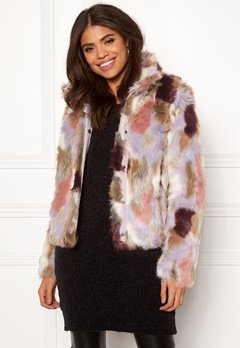 VILA Veria Faux Fur Jacket Sandshell Bubbleroom.no