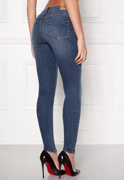 77thFLEA Miranda Push-up jeans Medium blue Bubbleroom.no