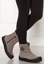 Quebec Base Shoes