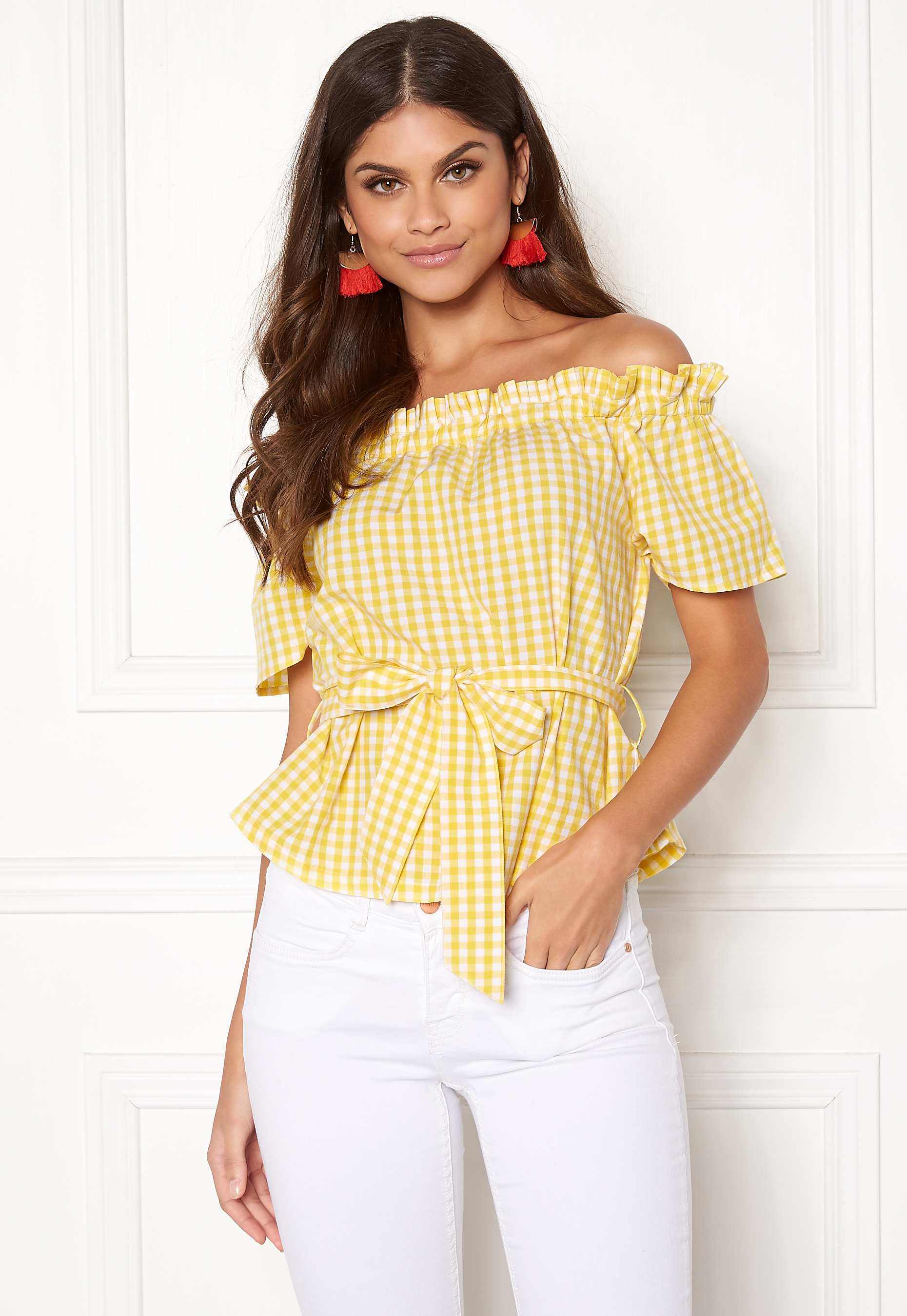 dbf62e36 Make Way Kassey off shoulder top Light yellow / White / Checked ...