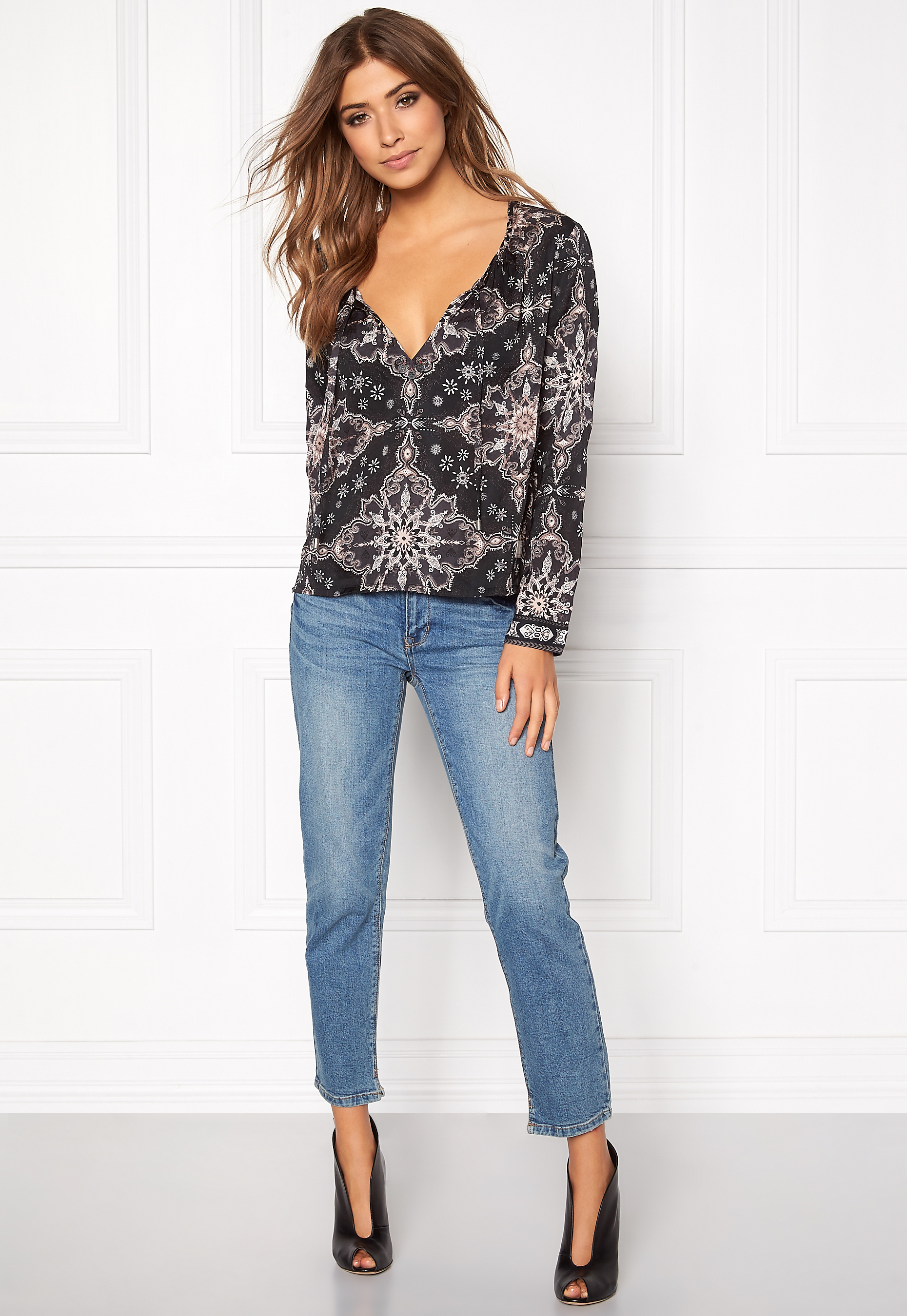 294d58689b1b Odd Molly Afternoon Delight Blouse Almost Black - Bubbleroom